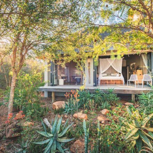 Matumi Lodge Room and deck